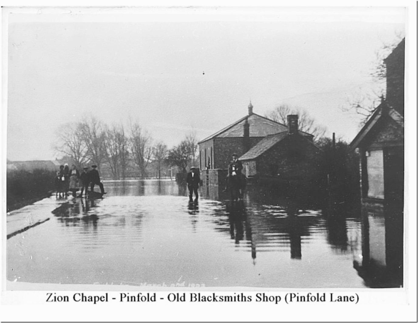 Pinfold-Lane-in-1923-flood